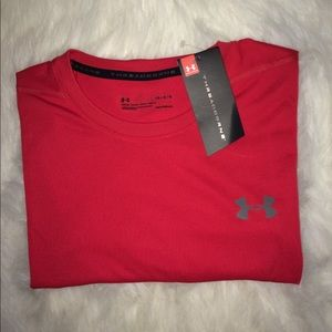 Under Armour men's T-shirt size Lg short sleeves